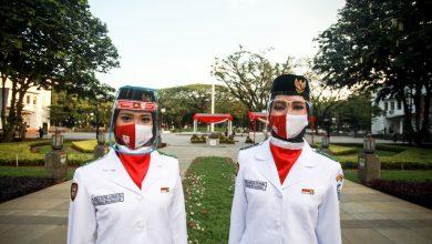 Photo of Sedih Dan Beruntung, Jadi Pengibar Bendera di Masa Pandemi