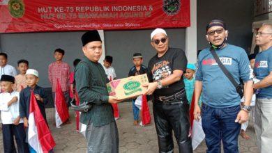 Photo of Sambut HUT RI dan HUT Mahkamah Agung,  Pengadilan Negeri Bandung Gelar Bakti Sosial